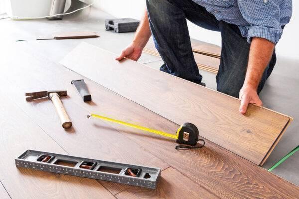 verktyg för golvläggning
